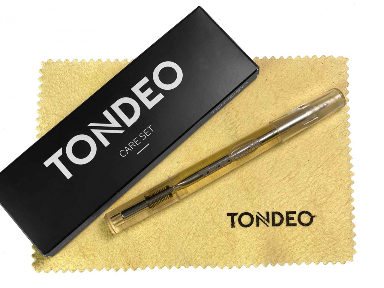 TONDEO Scissor Care Set with Oil Pen and Leather Towel